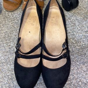 High Heels barely used once! Size 8.5 W